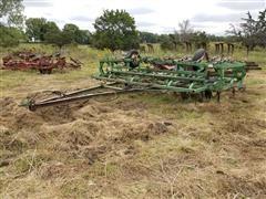 John Deere 1010 28' Folding Field Cultivator
