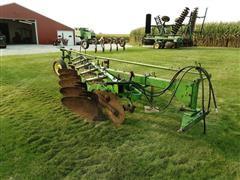 John Deere 350 Moldboard Plow