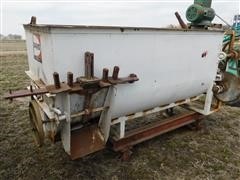 Davis Single Auger Horizontal Feed Mixer