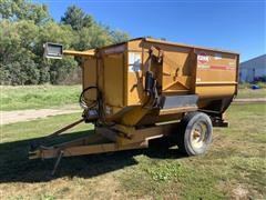 KUHN Knight 3125 Reel Auggie Feed Wagon