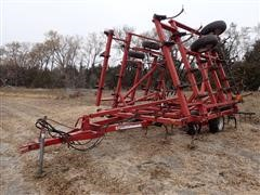 Case IH 4300 28' Field Cultivator W/3 Bar Summers Harrow