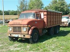 1969 Ford 600 T/A Grain Truck