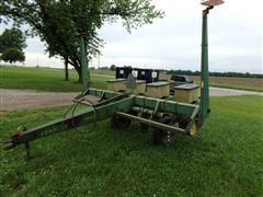 """John Deere 7000 4R30"""" Planter"""