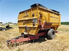 Knight Reel Auggie 3036 Mixing Feeder Wagon