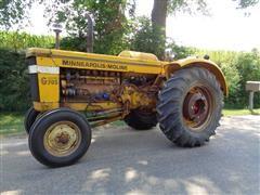 1962 Minneapolis-Moline G705 Wheatland Antique 2WD Tractor