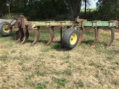 John Deere 900 13-Shank 3-Point V-Plow