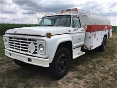 1977 Ford F700 Fuel Truck