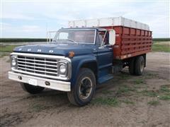 1975 Ford F700 Grain Truck