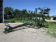 John Deere 680 26' Chisel Plow W/3-Bar Harrow