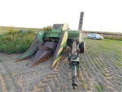 John Deere 300 Pull Type Corn Picker