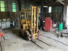 Baker FGF-040 2WD Forklift For Parts