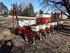 International 800 8R30 Planter