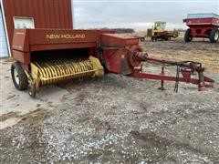 New Holland Hayliner 320 Small Square Baler