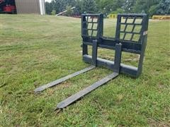 Stout Pallet Forks Skid Steer Attachment