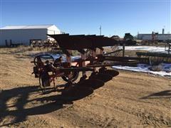 International 140 4 Bottom Moldboard Rollover Plow