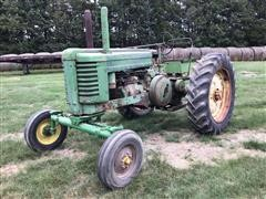 1947 John Deere G 2WD Tractor
