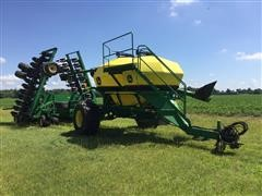 2010 John Deere 1890/1910 42' Air Seeder & Cart