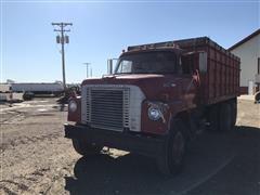 1970 International 1010A T/A Grain Truck