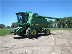 1994 John Deere 9600 Combine W/Rear Wheel Assist