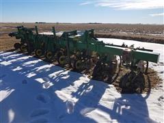 John Deere 885 8R36W Row Crop Cultivator
