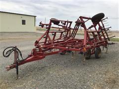 Case IH 4800 FLCU Vibra Shank Field Cultivator