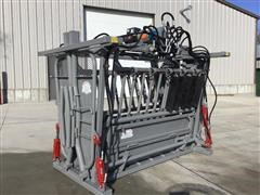 Bowman 2800 Medium Duty Hydraulic Squeeze/Head Cattle Chute