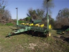 John Deere 7200 Max Emerge II 6 Row Planter