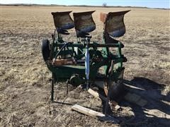 Oliver 3-Bottom Spinner Plow