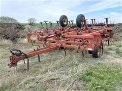 Sunflower 5131-23 25' Field Cultivator