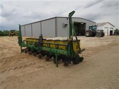 1996 John Deere Max Emerge Plus Vacu Meter Planter