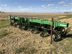 John Deere 885 Row Crop Cultivator