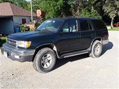 1999 Toyota 4 Runner SR5 4WD Sports Utility Vehicle