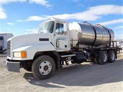 2000 Mack CH612 T/A 2 Compartment Liquid Tender Truck