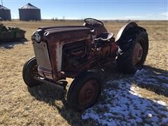Ford 800 2WD Tractor