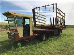 New Holland 1069 Stack Wagon