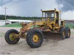Caterpillar 12 Motor Grader