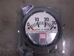 "John Deere Planter 30"" Vacuum Gauge"
