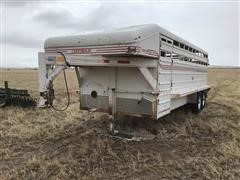 1997 Donahue SS-720-4N T/A Livestock Trailer