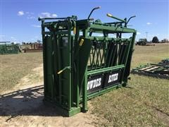 Powder River S2000 Squeeze Chute