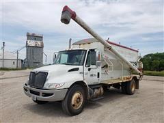 2007 International 4300 9 Ton Feed Truck