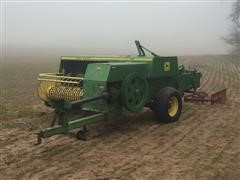 John Deere 346 Small Square Wire Baler
