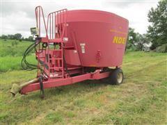 2004 NDE 802 Vertical Mix TMR Feeder Wagon