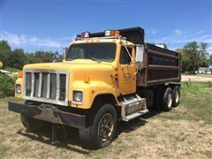 1990 International 2574 T/A Dump Truck