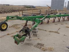John Deere 2800 8 Bottom On-land Vari-width Plow