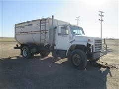 1985 International 1954 Feed Truck