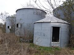 Butler /Eaton Grain Bins
