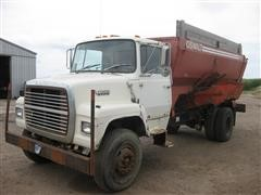 1989 Ford L-8000 Feed Truck