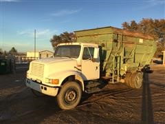 1991 International 4900 Feed Truck