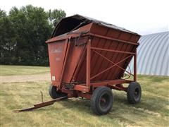 Richardton 700 Side Dump Forage Wagon