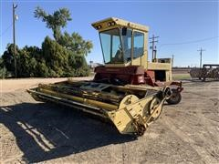 1982 New Holland 1116 Self-Propelled Windrower